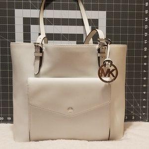 White Michael Kors shoulder bag/tote